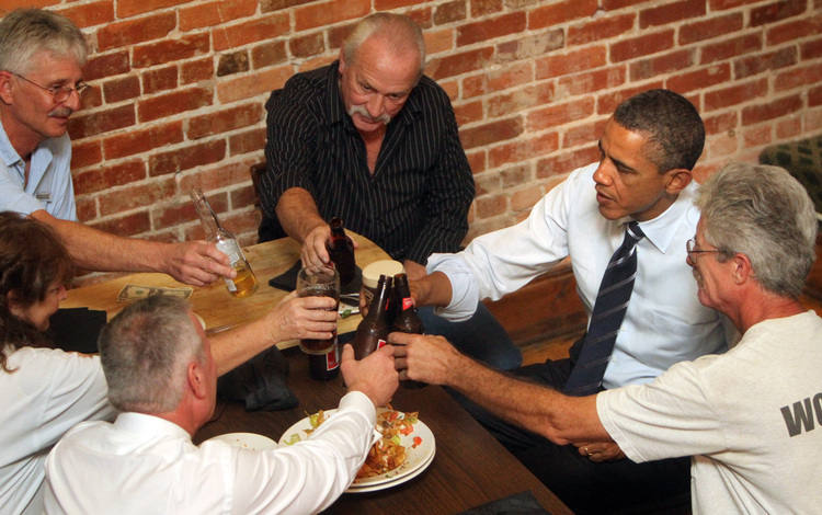Obama Drinks Beer At Downtown Bar Across From Vain Orlando
