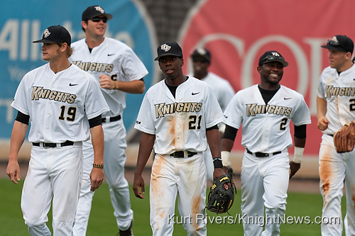 UCF Baseball Bounces Back, Earns Narrow Victory Over Boston College, 6-5