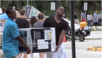 UCF Summer B Students Move In To Dorms