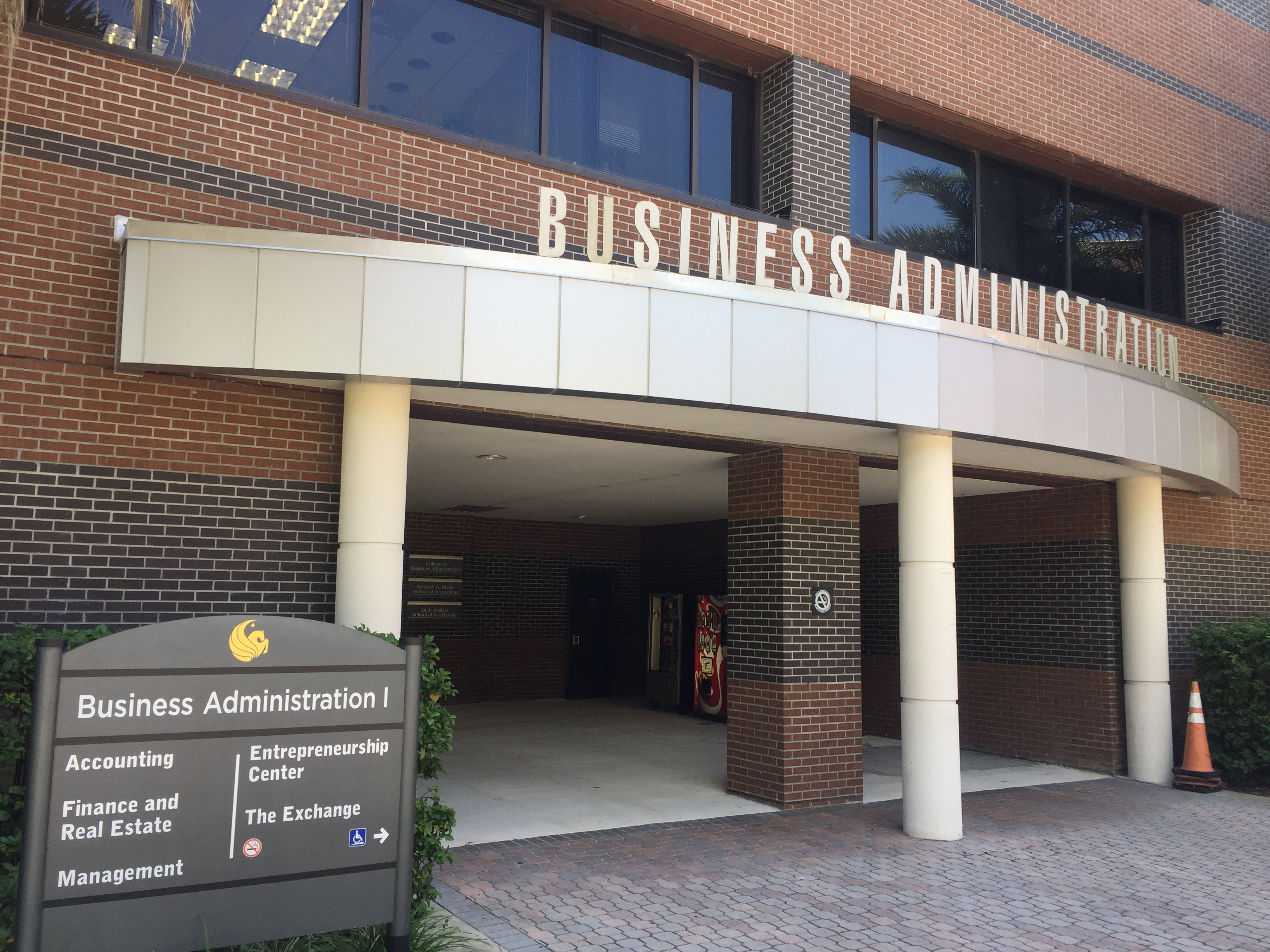 Ucf College Of Business >> Ucf College Of Business Students Want More Time In Class
